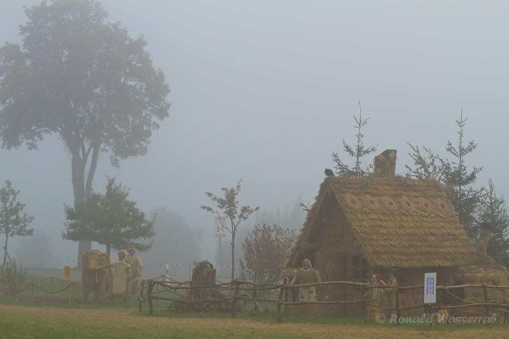 Strohskulpturen - Hexenhaus Hänsel und Gretel